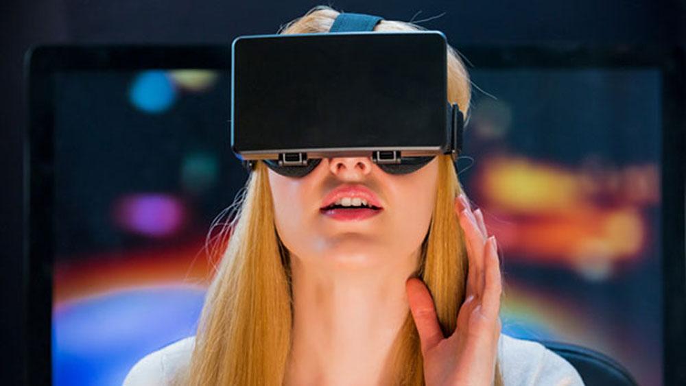 VR Porn: Is it Worth Watching?